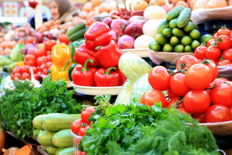 How pre-packaged fruit and vegetables can help reduce food ...
